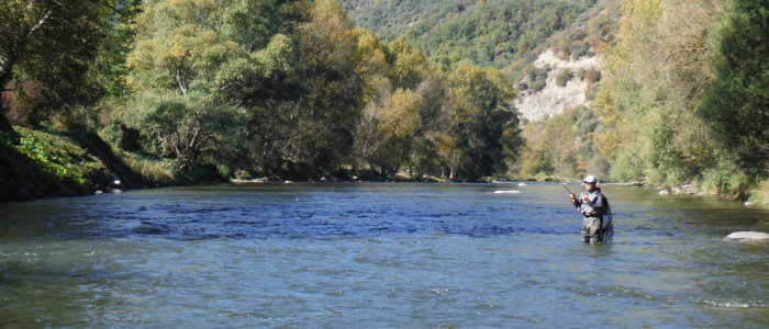 PYRENEES TOP RIVER